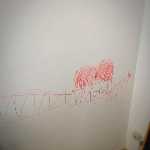 el cocodril que ocupa mitja paret